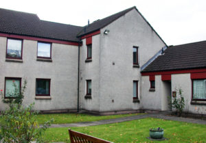 Devon Court, Tullibody