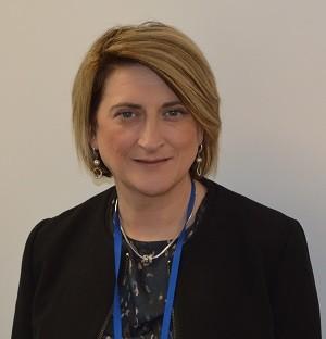Portrait Donna Henderson Director of Strategic Finance